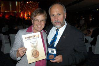 Ehrenplakette des Deutschen Mittelstandes für Gerlinde und Wolfgang Fessler