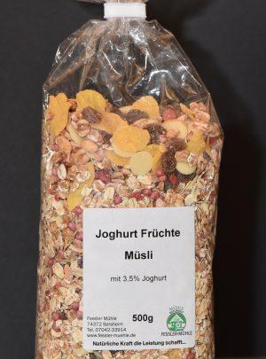 Joghurt-Früchte Müsli mit 17% Trockenfrüchten und 3,5% Joghurt